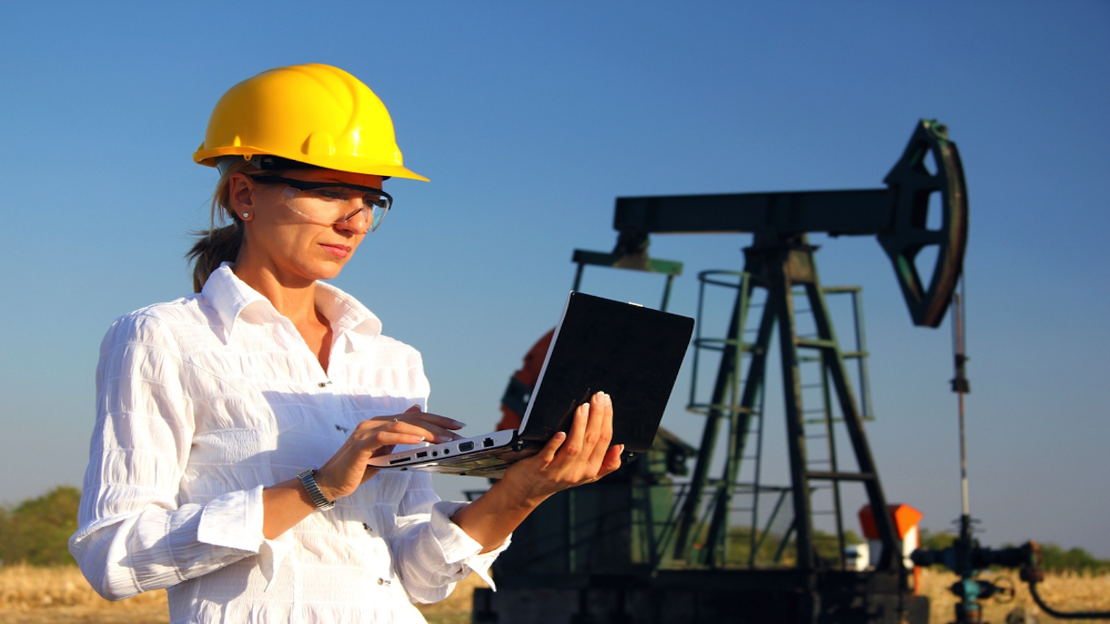 Computer Application of Petroleum Engineering Photo